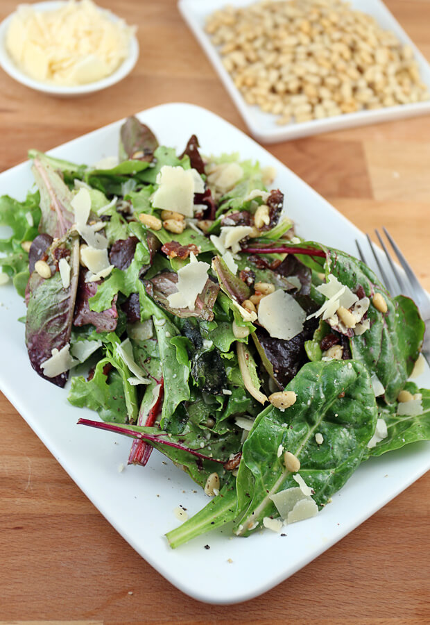 A quick, simple, and refreshing salad just in time for summer. Don't miss out on this jam-packed lunch! Shared via www.ruled.me/