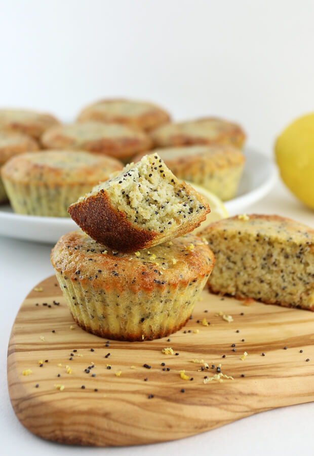 If you're a fan of Lemon Poppyseed flavors, these muffins will be a perfect addition to your morning routine! Shared via //www.ruled.me/